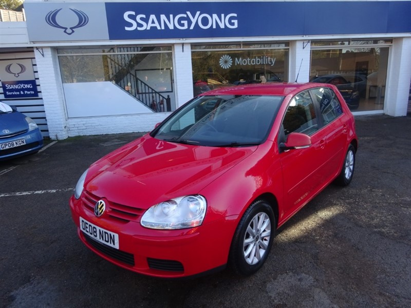 used VW Golf MATCH FSI 115 - FVSH -BLUETOOTH - AIR CON - ALLOYS in amersham