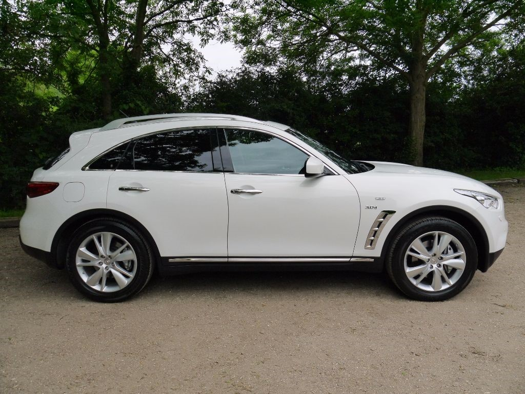 used moonlight white infiniti qx70 for sale hertfordshire. Black Bedroom Furniture Sets. Home Design Ideas