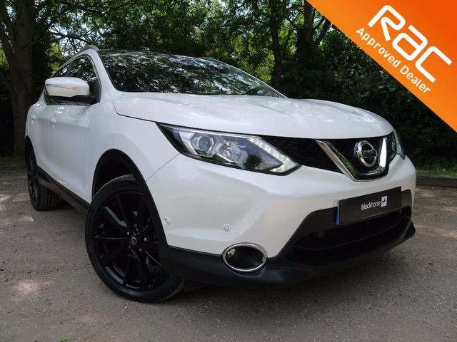 used Nissan Qashqai TEKNA DIG-T in Hitchin-Hertfordshire