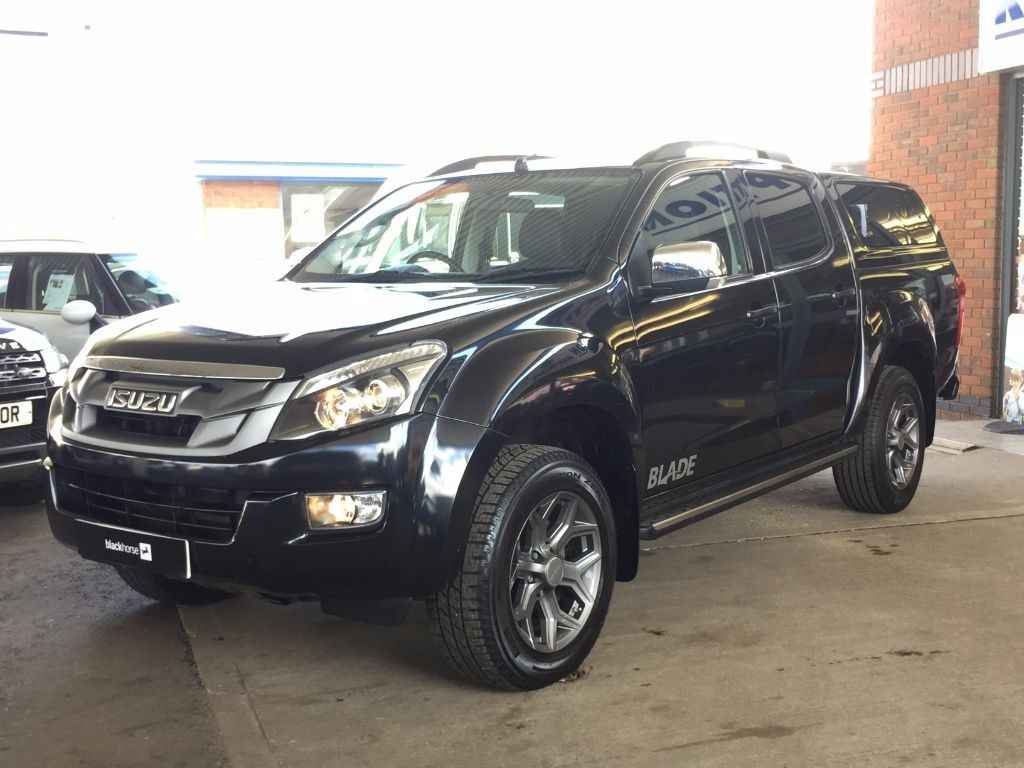 Used Black Isuzu D-Max for Sale | Bedfordshire