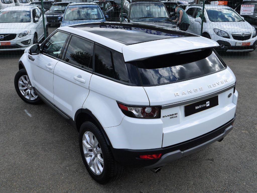 Used Fuji White Land Rover Range Evoque For Sale Bedfordshire Video