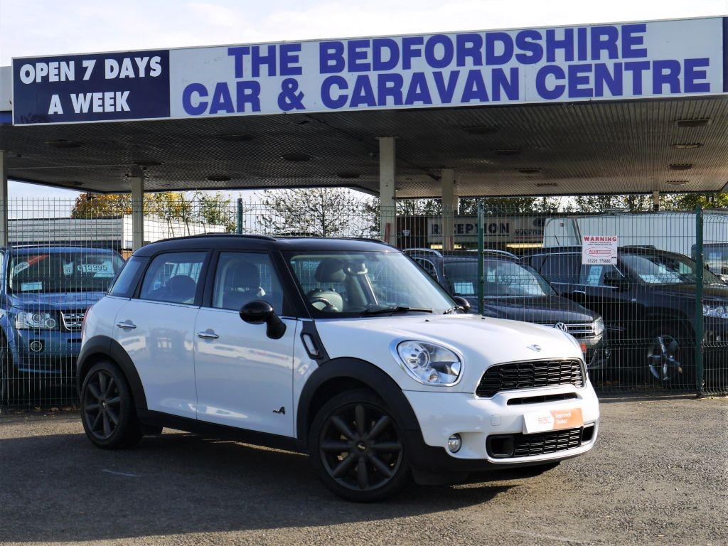 Used Light White Mini Countryman For Sale Bedfordshire