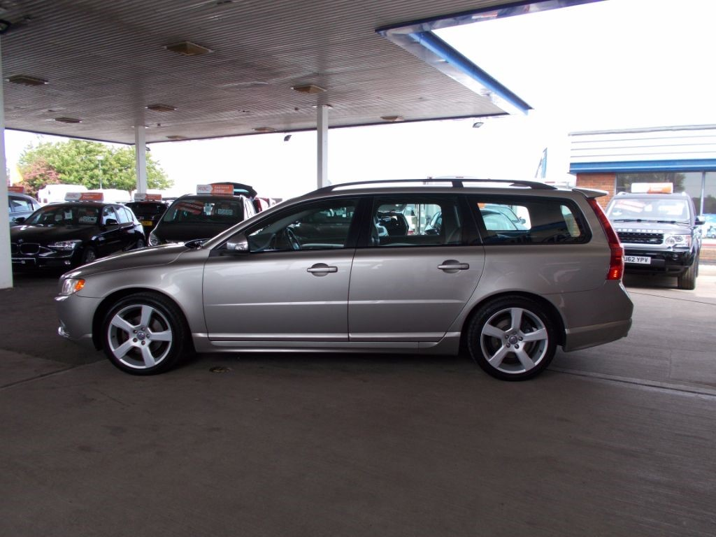 used gold volvo v70 for sale bedfordshire. Black Bedroom Furniture Sets. Home Design Ideas