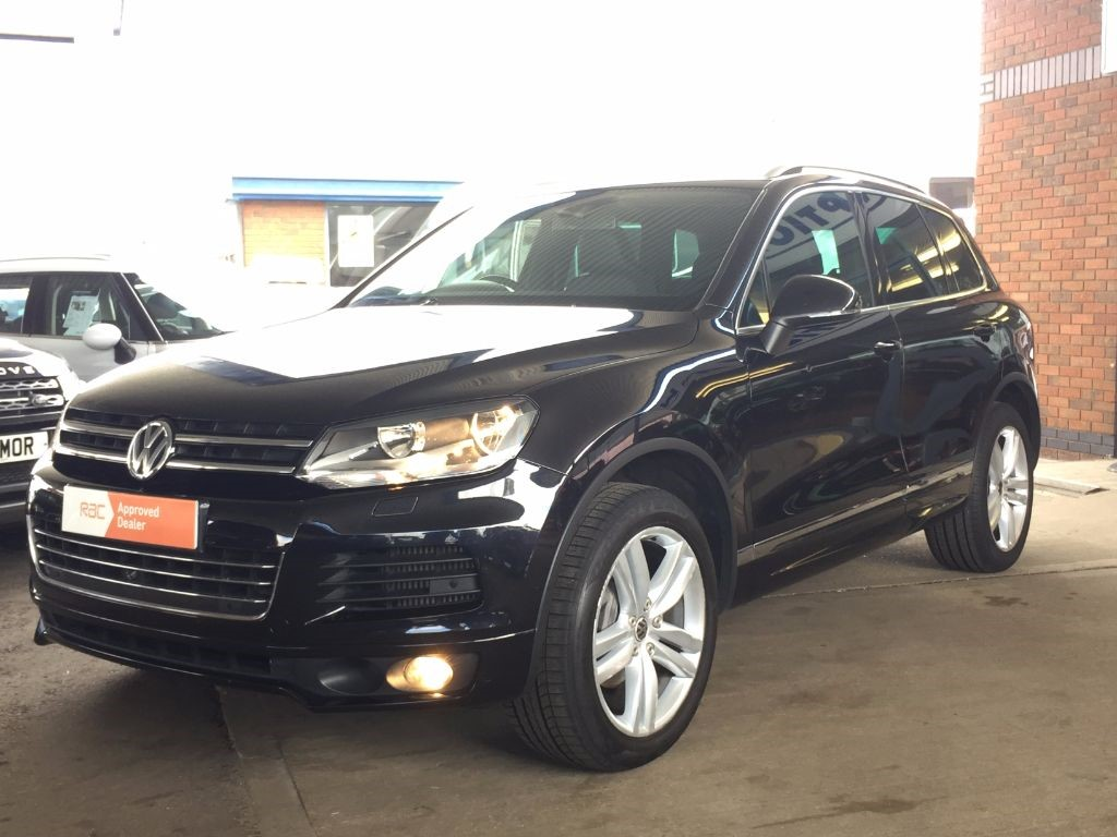 used deep black vw touareg for sale bedfordshire. Black Bedroom Furniture Sets. Home Design Ideas