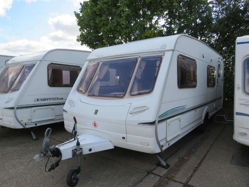 used Abbey Aventura 330 6 Berth Bunks and Awning in sandy-bedfordshire