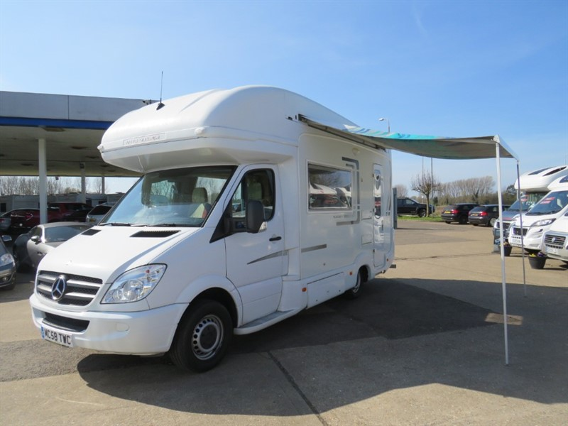 used Auto-Sleepers Surrey 4 Berth 4 Belted Seats Large Lounge Area in sandy-bedfordshire