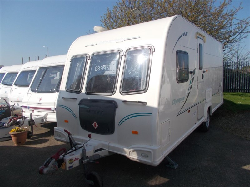 used Bailey Olympus 464 Fixed Bed small and lightweight in sandy-bedfordshire