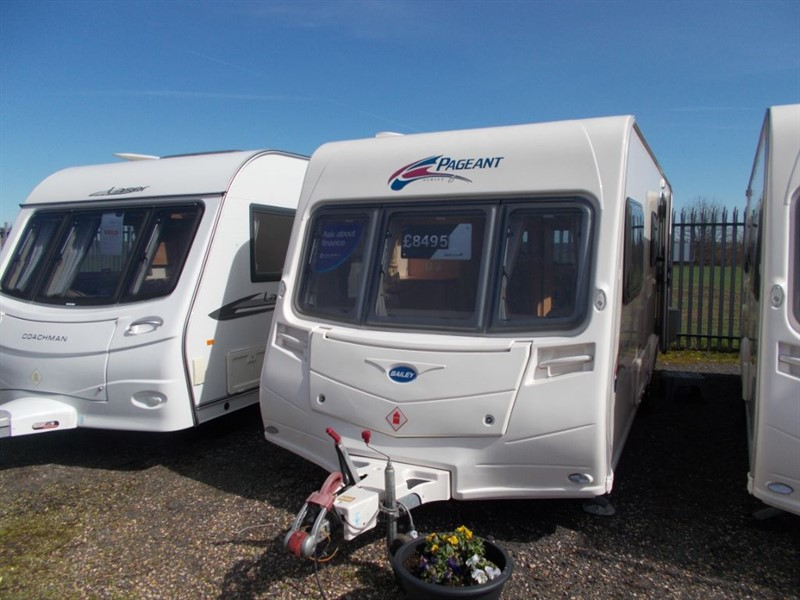 used Bailey Pagaent Provence Double Lounge in sandy-bedfordshire