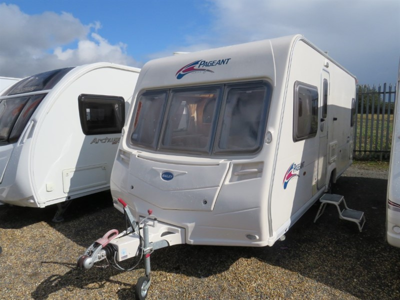 used Bailey Pageant Bordeaux Series 6 Fixed Bed 4 Berth in sandy-bedfordshire