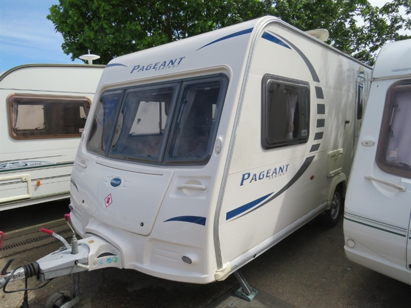 used Bailey Pageant Monarch Series 7 2 Berth with Mover and Awning in sandy-bedfordshire