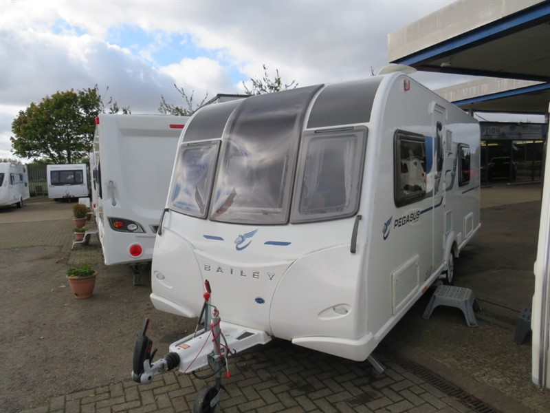 used Bailey Pegasus Rimini Twin Singles Air Conditioning in sandy-bedfordshire