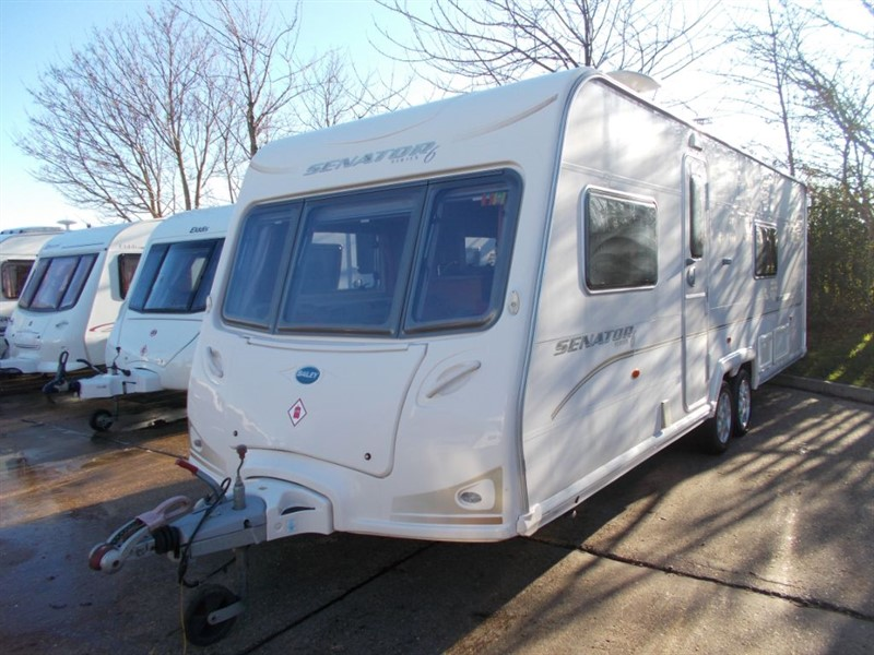 used Bailey Senator  Wyoming Fixed bed Twin axle in sandy-bedfordshire