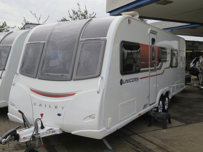 used Bailey Unicorn  Barcelona III With Quad Motor Mover and Memory Foam Mattress in sandy-bedfordshire