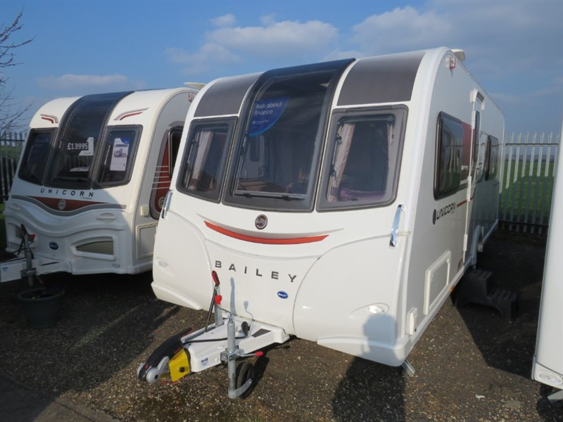 used Bailey Unicorn  Madrid 3 Berth End bathroom Separate shower in sandy-bedfordshire