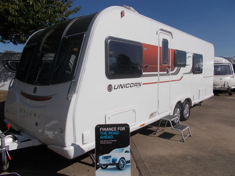 used Bailey Unicorn  Barcelona Twin Axle Fixed bed in sandy-bedfordshire