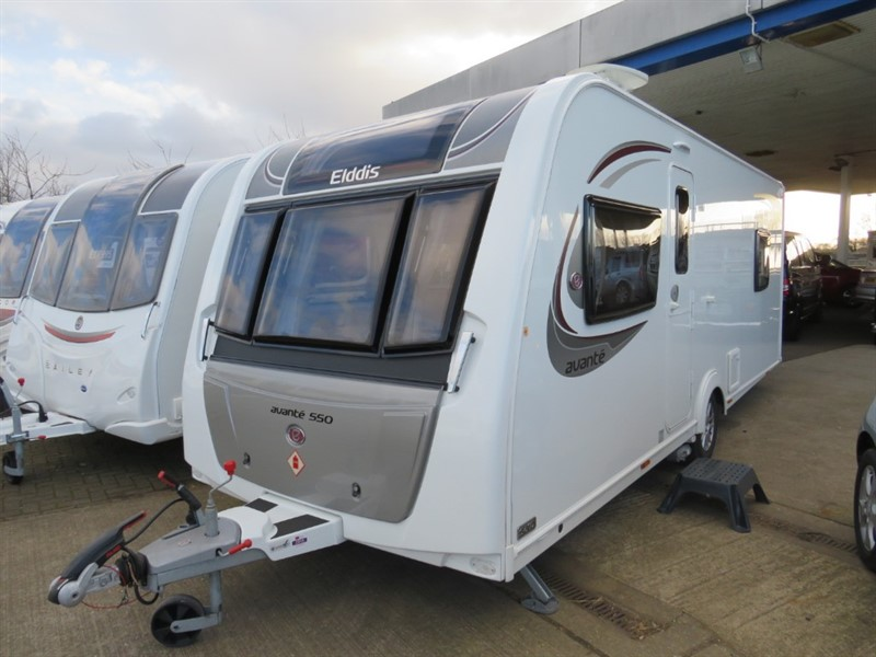 used Elddis Avante 550 Island Bed Centre bathroom in sandy-bedfordshire