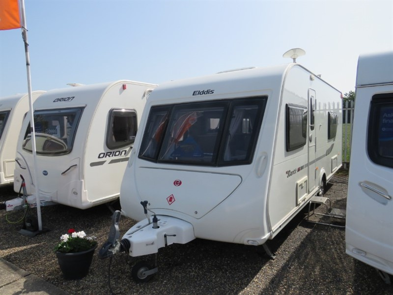 used Elddis Avante 574 Twin single bed 4 berth in sandy-bedfordshire