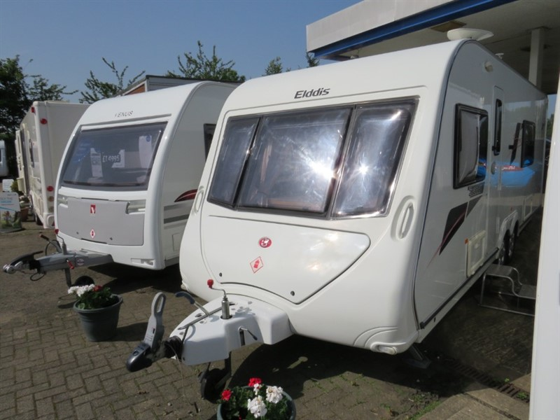 used Elddis Avante 624 Twin Axle Fixed Bed Rear Bathroom and Motor Mover in sandy-bedfordshire