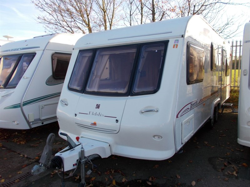 used Elddis Avante 630/6 Berth Twin axle with Motor Mover in sandy-bedfordshire