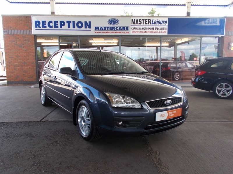 used Ford Focus GHIA 16V in sandy-bedfordshire