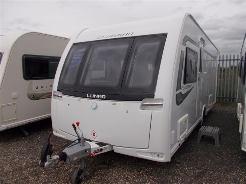 used Lunar  Clubman SI Island bed 4 berth in sandy-bedfordshire