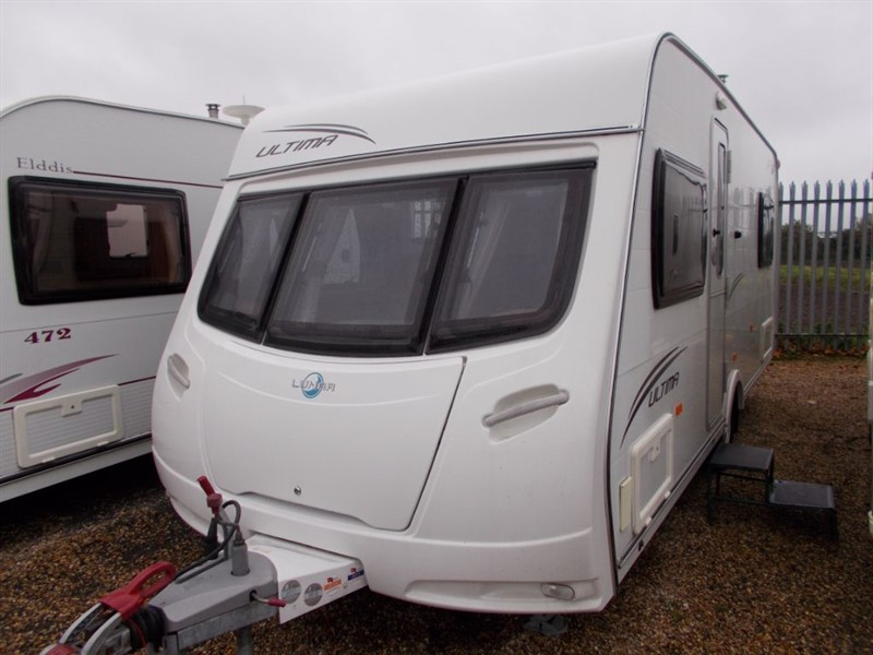 used Lunar  Ultima 534 Lightweight Fixed Bed in sandy-bedfordshire