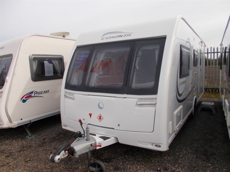 used Lunar  Cosmos 524 Large end washroom 4 berth in sandy-bedfordshire