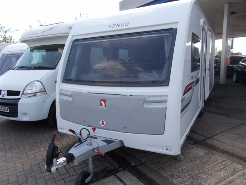 used Lunar  Venus 570/4 4 Berth Island Bed, Brand New !! in sandy-bedfordshire