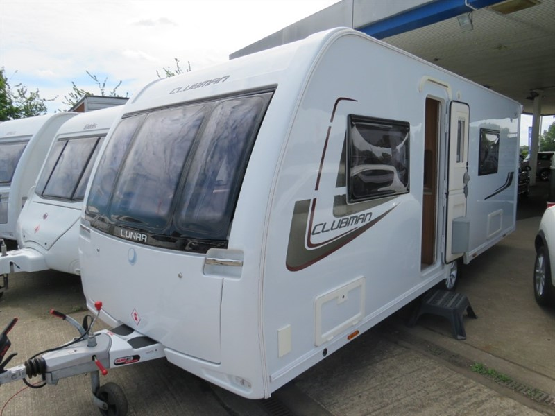 used Lunar Clubman SE Fixed Bed 4 berth in sandy-bedfordshire