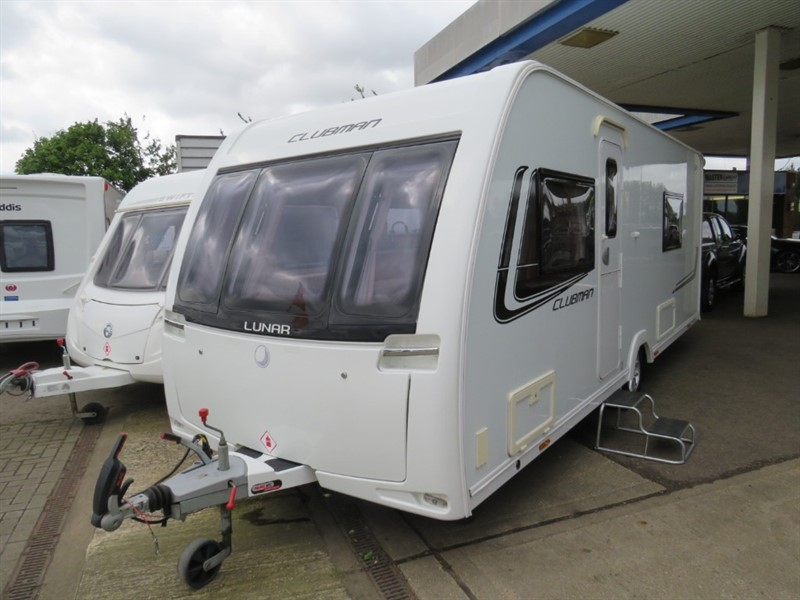 used Lunar Clubman SB Twin Singles Mover and Awning in sandy-bedfordshire