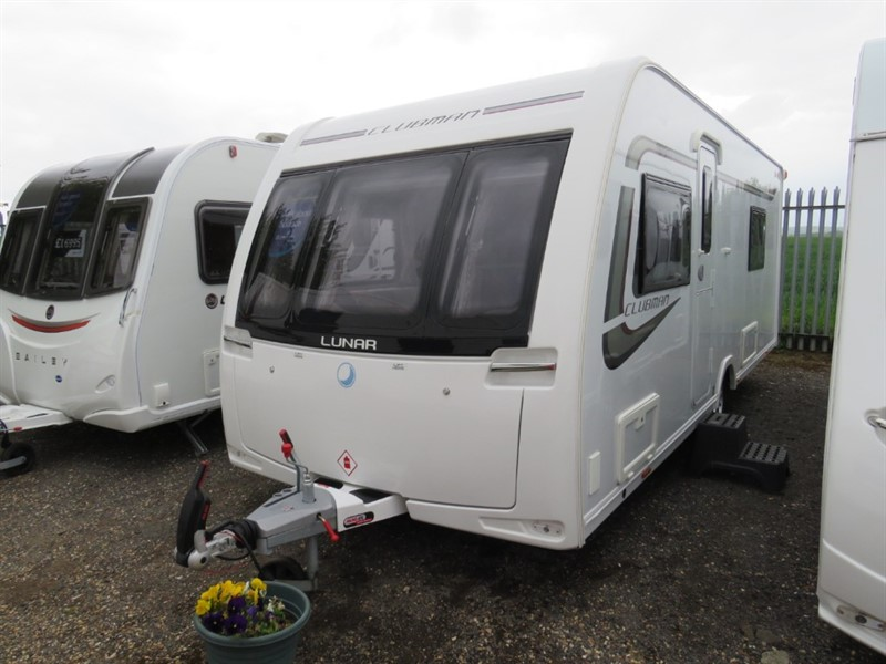 used Lunar Clubman SB Air Con Twin Singles Motor Mover in sandy-bedfordshire