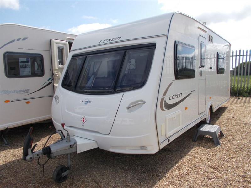 used Lunar Lexon 520 4 berth family bunks in sandy-bedfordshire