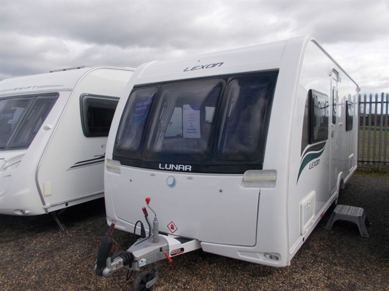 used Lunar Lexon 540 4 berth fixed bed  in sandy-bedfordshire