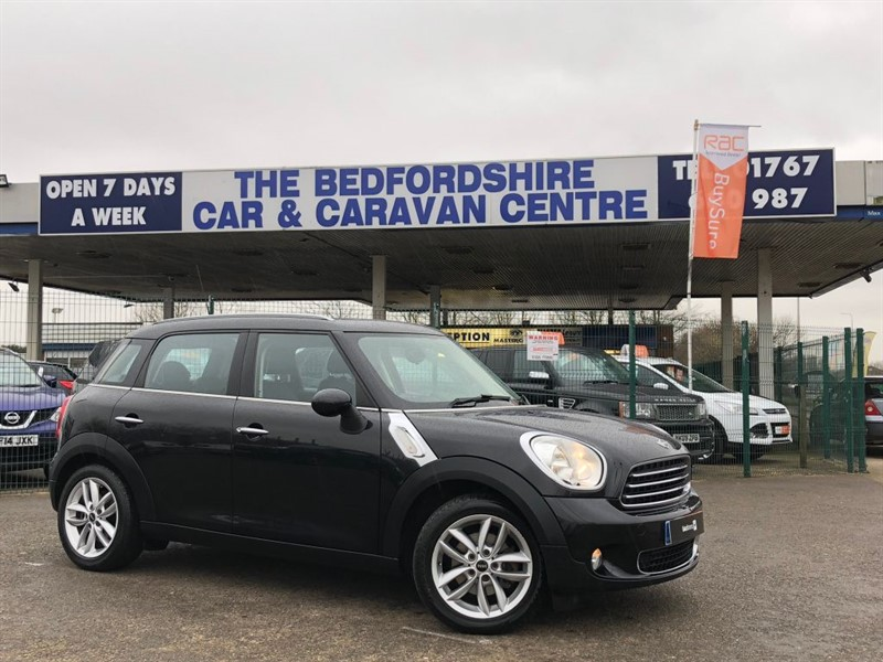 used MINI Countryman COOPER D Automatic with a Big Specification in sandy-bedfordshire