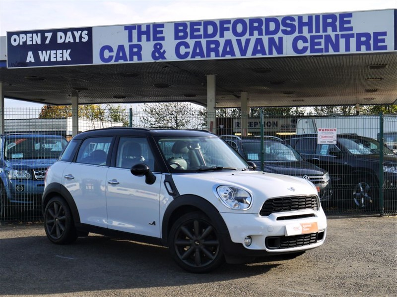 used MINI Countryman COOPER S ALL4 PETROL LOW MILES in sandy-bedfordshire