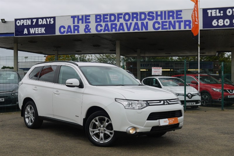 used Mitsubishi Outlander DI-D GX4 Auto 7 seats  2000kg Towing, bar fitted in sandy-bedfordshire