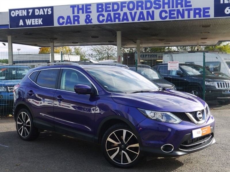 used Nissan Qashqai AUTOMATIC PETROL LEATHER NAV PAN ROOF in sandy-bedfordshire