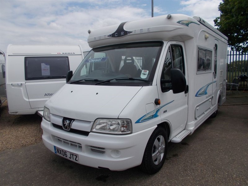 used Peugeot Boxer Autocruise Starburst 2.2 HDI 2 berth  in sandy-bedfordshire