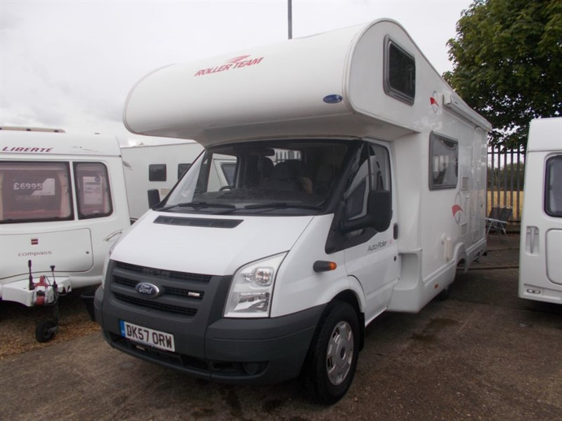 used Rollerteam Auto-Roller 500 5 Berth Family Layout in sandy-bedfordshire