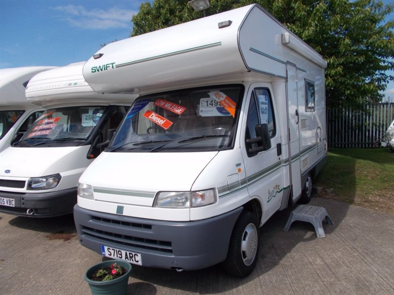 used Swift  Suntor 520 Based On The Sundance 520 in sandy-bedfordshire