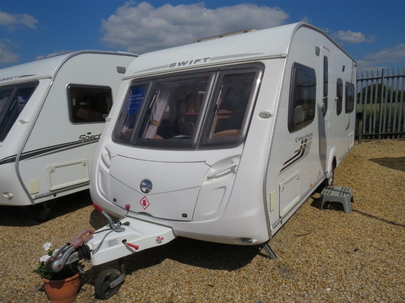 used Swift Challenger  540 Fixed Bed Awning Included in sandy-bedfordshire