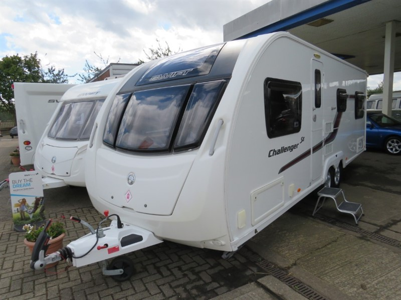 used Swift Challenger  625 SE 6 Berth Twin Axle in sandy-bedfordshire