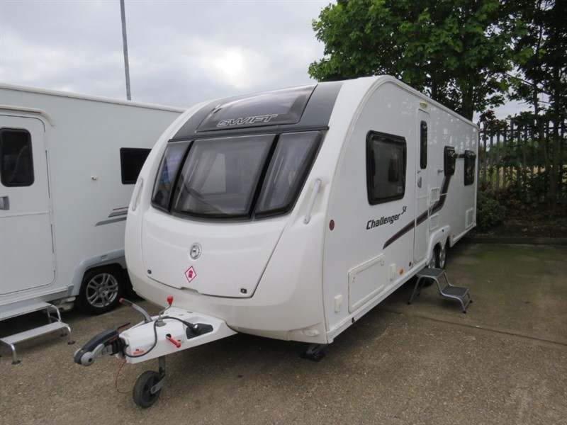 used Swift Challenger  SE 625 6 Berth Fixed Bed Side Dinette in sandy-bedfordshire