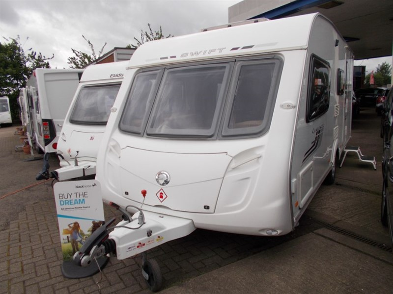 used Swift Challenger  530 Family 4 berth Large end bathroom in sandy-bedfordshire