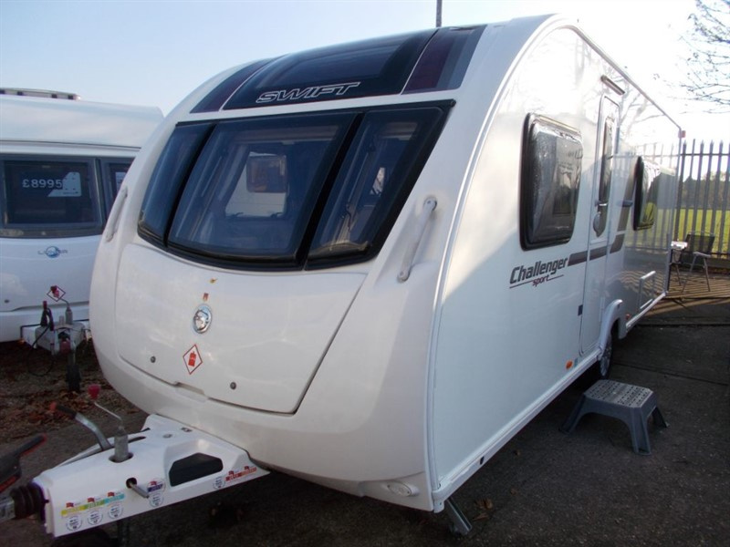 used Swift Challenger  Sport 554 SR Fixed bed 4 bBerth in sandy-bedfordshire