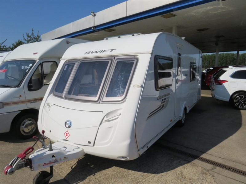 used Swift Charisma 545 4 Berth Rear Dinette/Lounge With Motor Mover in sandy-bedfordshire