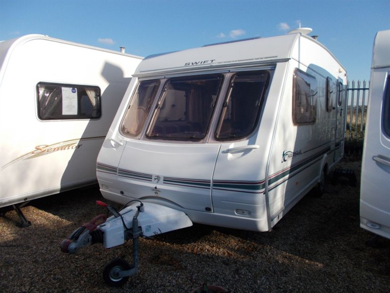 used Swift Charisma  560 4 Berth large end bathroom in sandy-bedfordshire