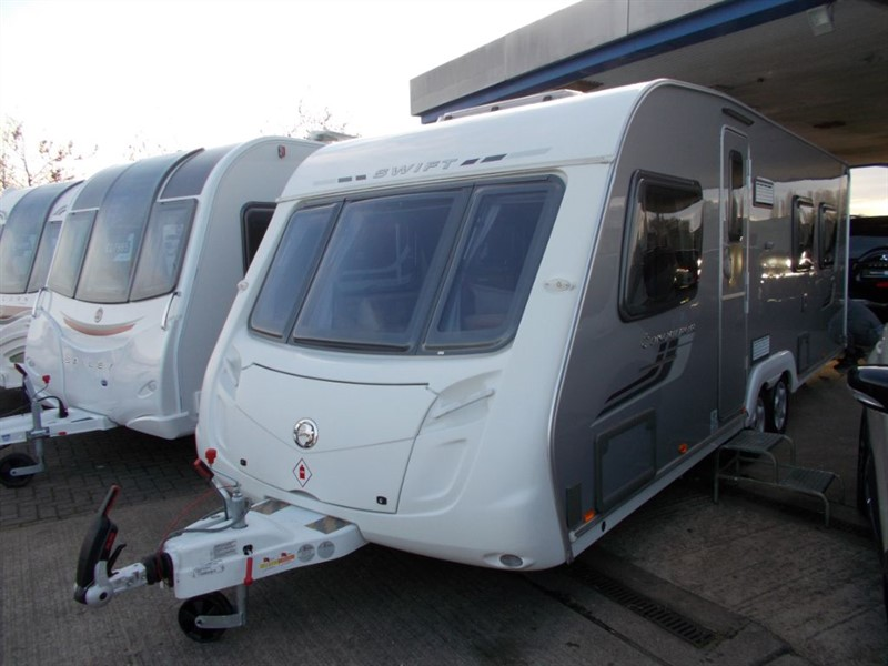 used Swift Conqueror  645 Island bed Twin Axle 4 berth in sandy-bedfordshire