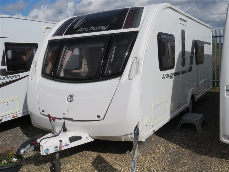 used Swift  Archway Rockingham Ruby Fixed Bed 4 Berth in sandy-bedfordshire
