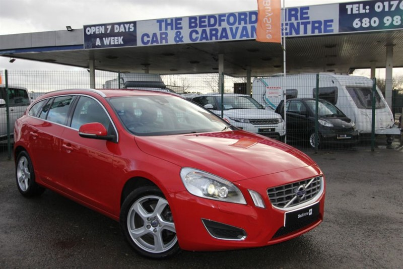 used Volvo V60 D3 SE LUX    AUTO ESTATE  in sandy-bedfordshire